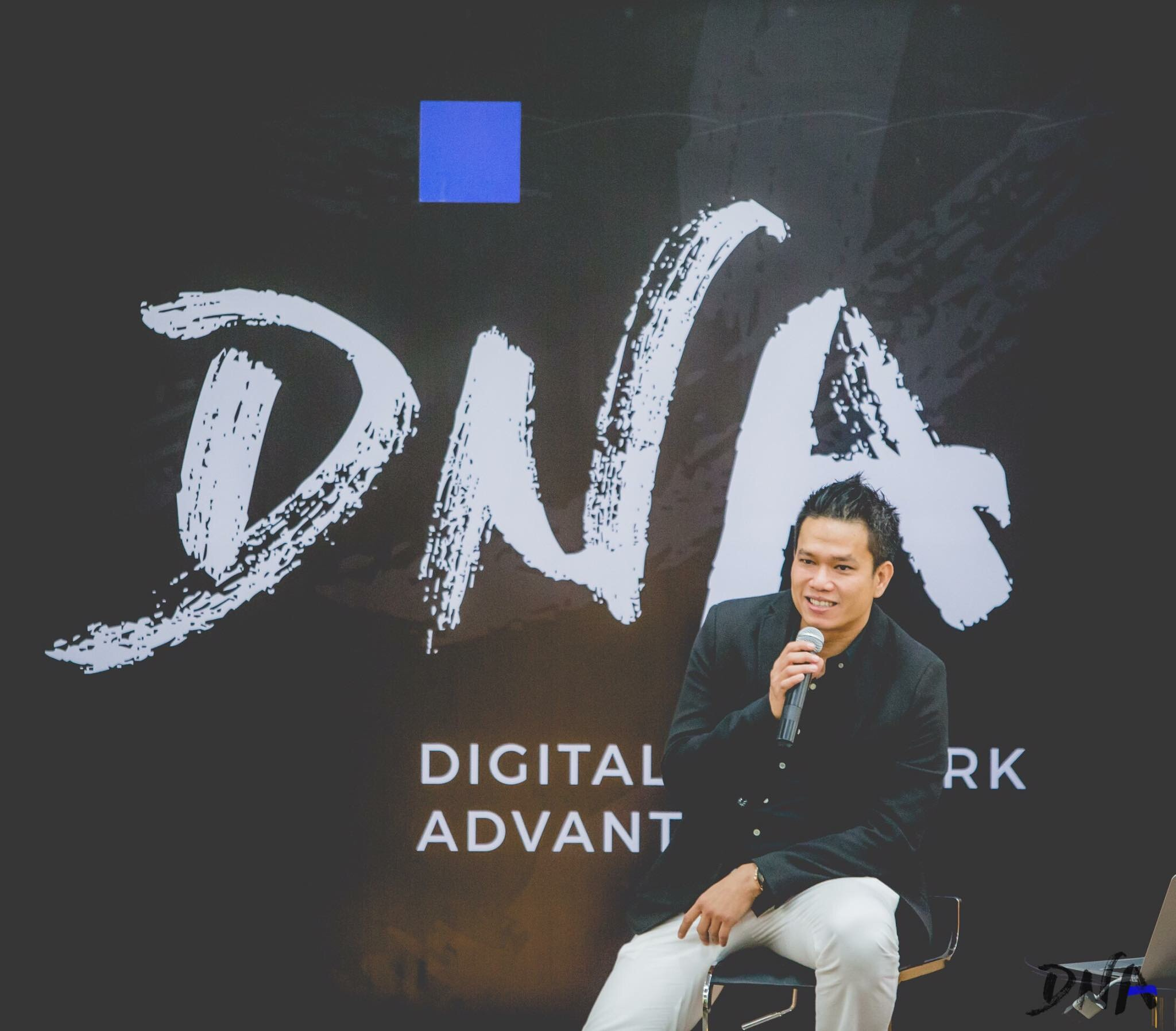 The Power of Photography by Tom Potisit :: ทอม ธีระฉัตร โพธิสิทธิ หลักสูตร DNA :: Digital Network Advantage #DNAbySPU #itsyouYOU
