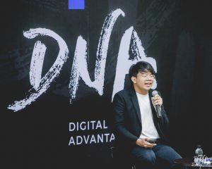 หลักสูตร DNAbySPU #DNAjournal EP.4 , คุณนักรบ มูลมานัส กราฟฟิกดีไซเนอร์ งานคอลลาจ มือทองของไทย, CREATE BUSINESS AS CREATE AN ART FORM ,สร้างธุรกิจให้ประดุจดั่งสร้างงานศิลปะ,@nakrobmoonmanas , @nakrobmoonmanas ,คณะบริหารธุรกิจ มหาวิทยาลัยศรีปทุม